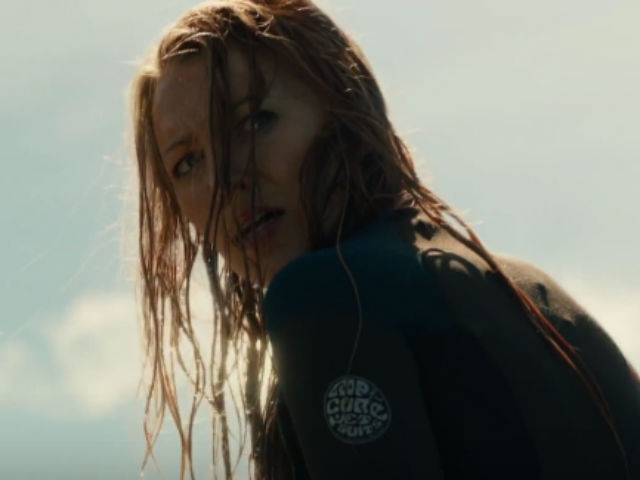 THE SHALLOWS TRAILER CAN SEND A CHILL DOWN YOUR SPINE - HOLLYWOOD NEWS