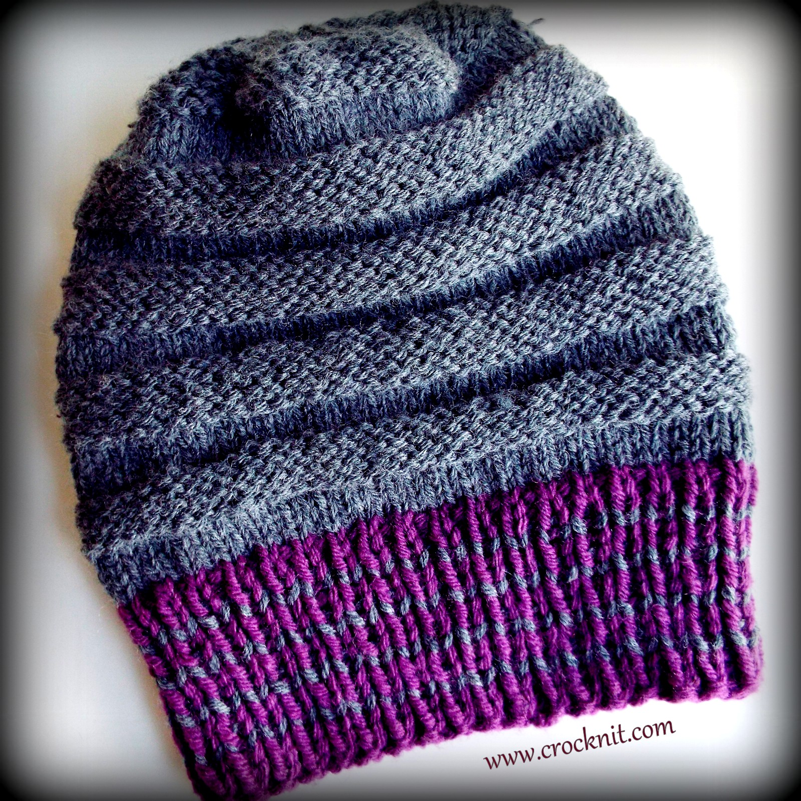 MICROCKNIT CREATIONS: BUZZ BUZZ Knit Slouchy Hat
