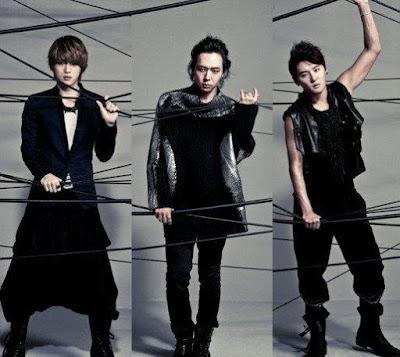 Foto de integrantes de JYJ de negro