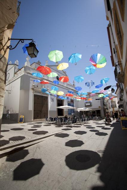 Praça Sao Vicente-Ombrelli-Evora