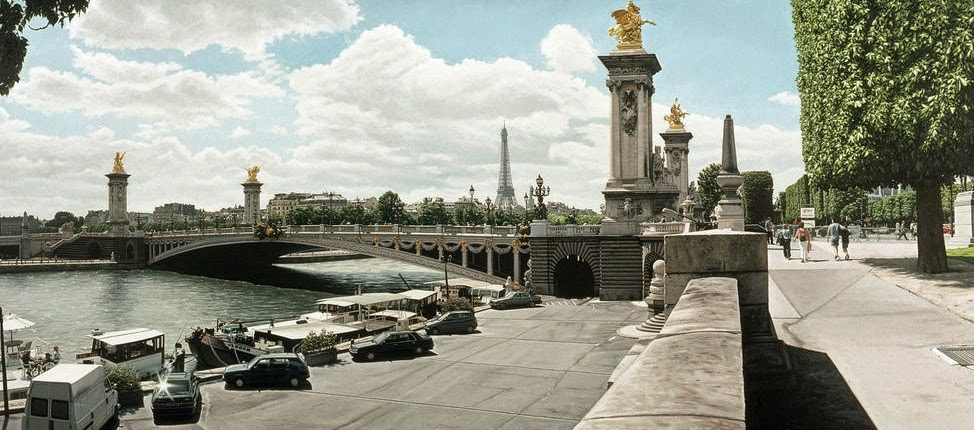 06-Pont Alexandre-III-Paris-France-Anthony-Brunelli-Cities-&-Architecture-seen-through-Paintings-www-designstack-co