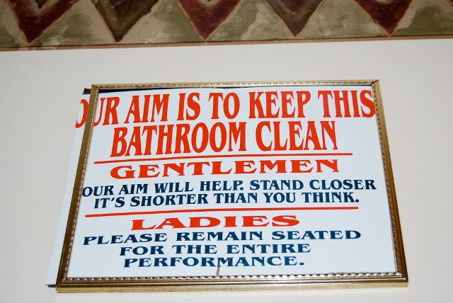 Crazy Funny Pictures: Keep Bathroom Clean
