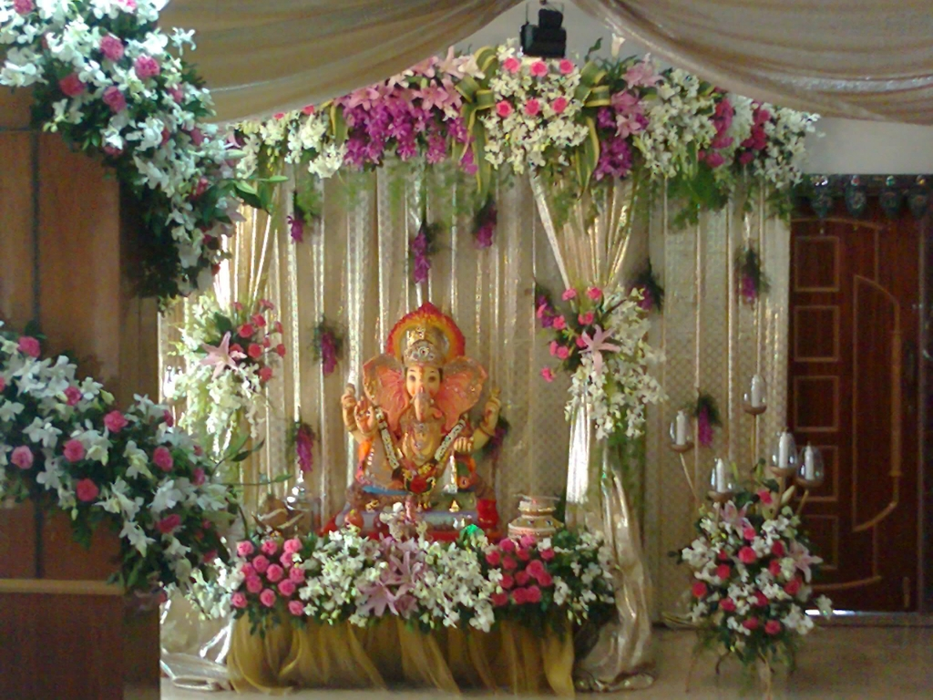 Images of ganpati decoration with flowers for Artificial flowers decoration for ganpati