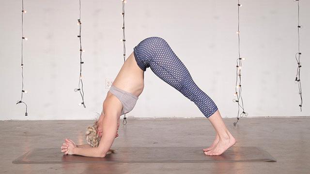 """Muốn đốt cháy calo nhanh nhất, 7 tư thế yoga bạn cần """"bỏ túi"""" riêng mình"""
