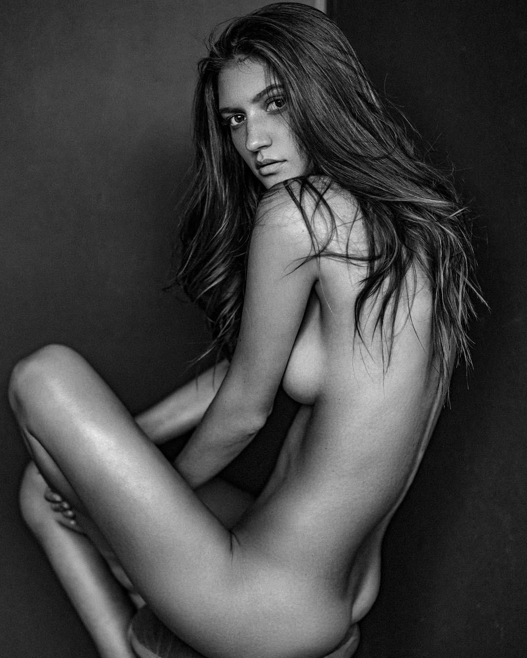 tolko-golie-fotomodeli