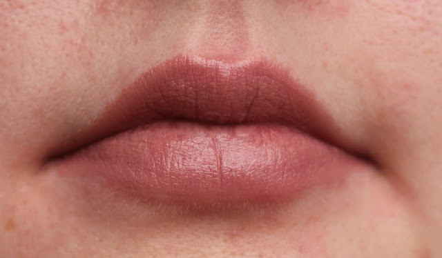 Photograph of Chauffer Rose Gold lipstick on the lips