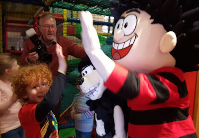 meeting dennis the menace and gnasher