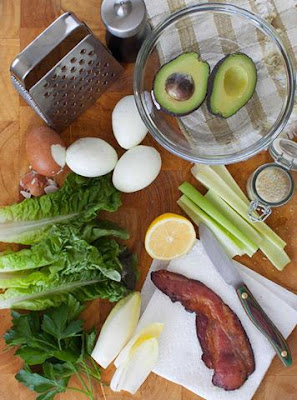 Avocado Egg Salad Lettuce Wraps with Bacon