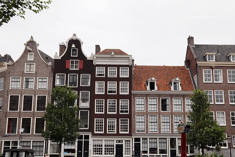 Amsterdam Reisetipps | Grachtenhäuser | Interrail Juli 2017 | Tasteboykott