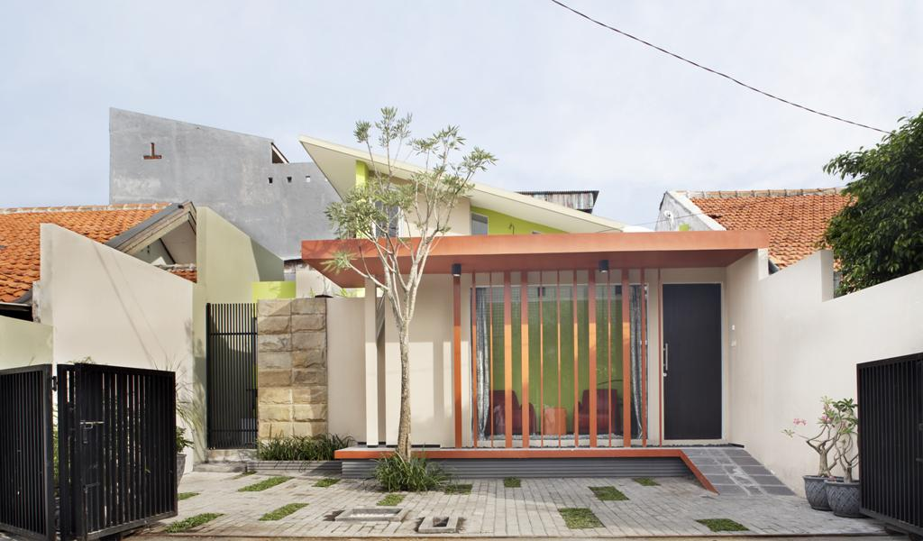 Located In Perum Pandugo Blok  Rungkut Surabaya Indonesia This Minimalist Home Is Very Unique And Interesting This Modern Minimalist Houses