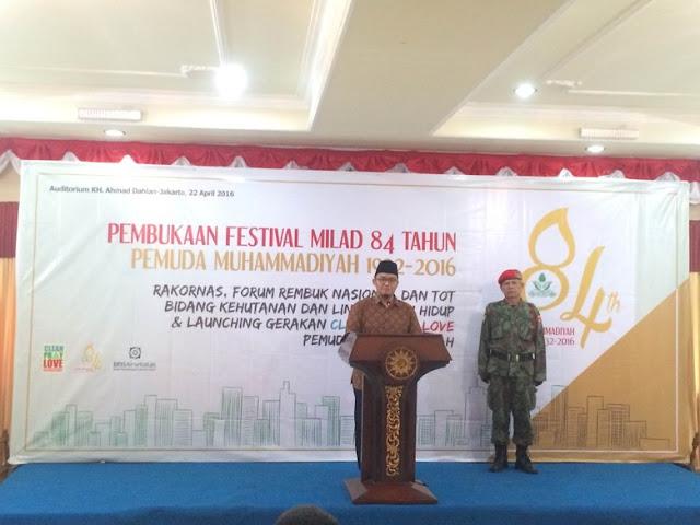 Bersama Marinir dan Organisasi Lintas Agama Pemuda Muhammadiyah Launching Clean Pray Love