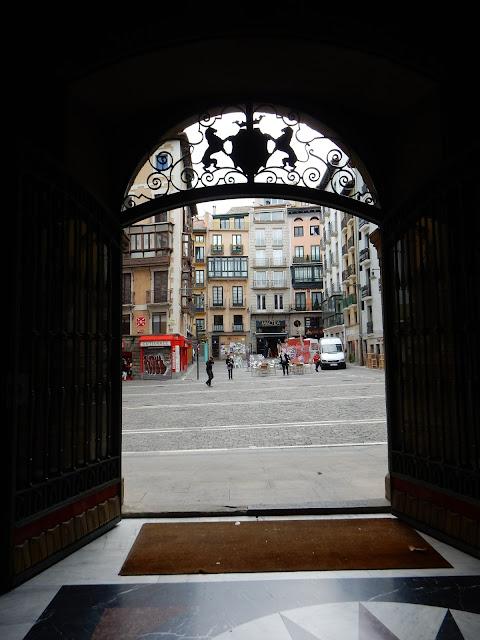 Casa Consistorial, Plaza del Castillo, Pamplona, Navarra, Elisa N, Blog de Viajes, Lifestyle, Travel