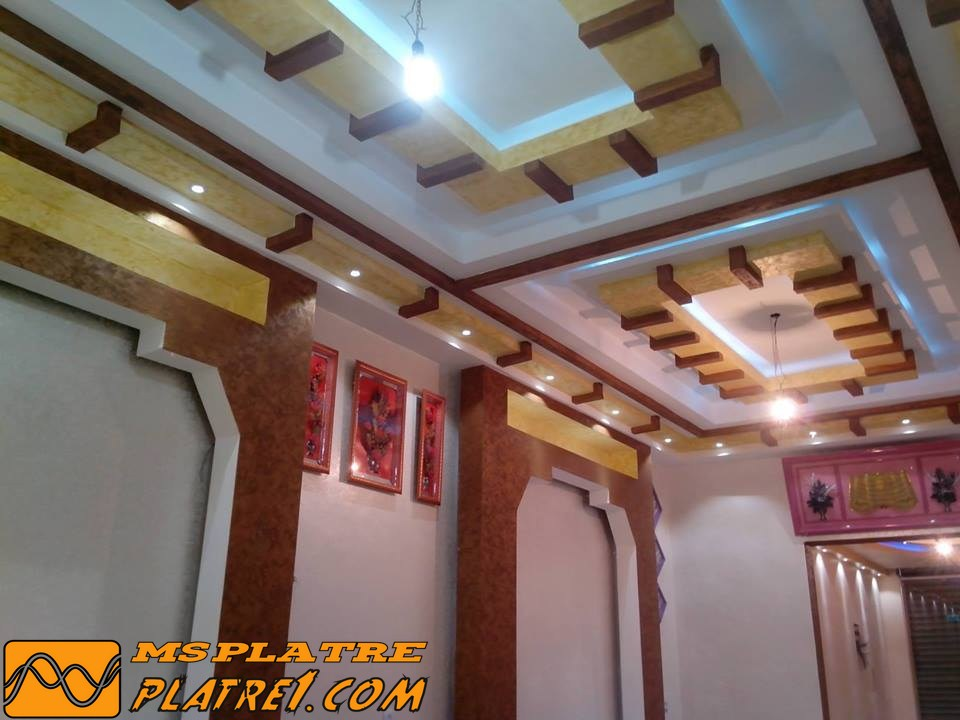 Guitar classic decoration platre plafond platre maroc - Decoration platre couloir ...