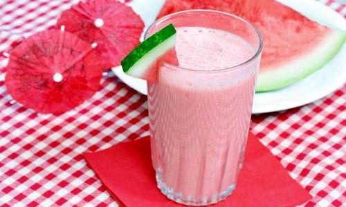 Resep aneka jus penurun darah tinggi dari buah dan sayuran