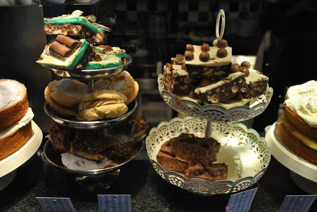 Mimi S Bakehouse Birthday Cake