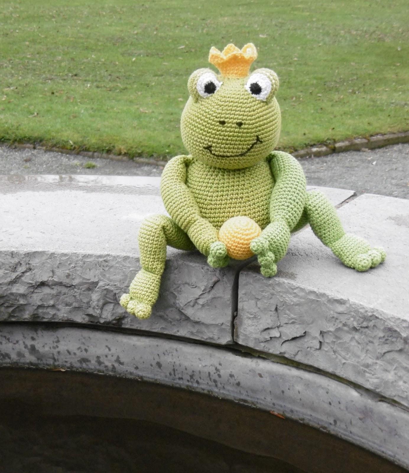 Crochet pattern Frog - amigurumi - instant download pdf (mit ... | 1600x1384