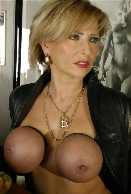 Big Tits Lady