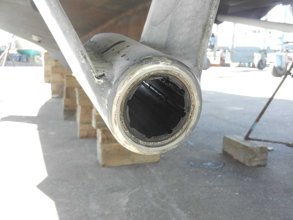 Hydraulic Cutlass Bearing Removal : Guided discovery on the hard again getting it straight