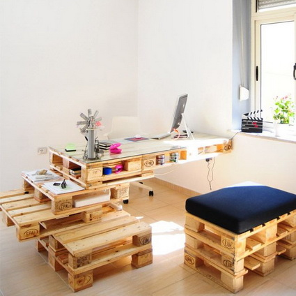 Office Furniture Made With Wooden Pallets 6