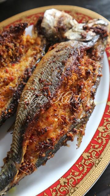 Ikan Cencaru Sumbat Sambal Kelapa