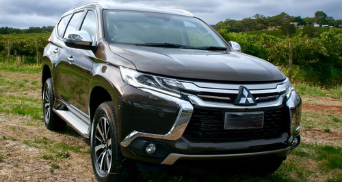 Perbandingan Toyota All-new Fortuner vs. Mitsubishi All-new Pajero Sport