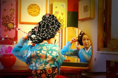 http://meheartseoul.blogspot.com/2013/09/go-guan-hanbok-photo-studio.html