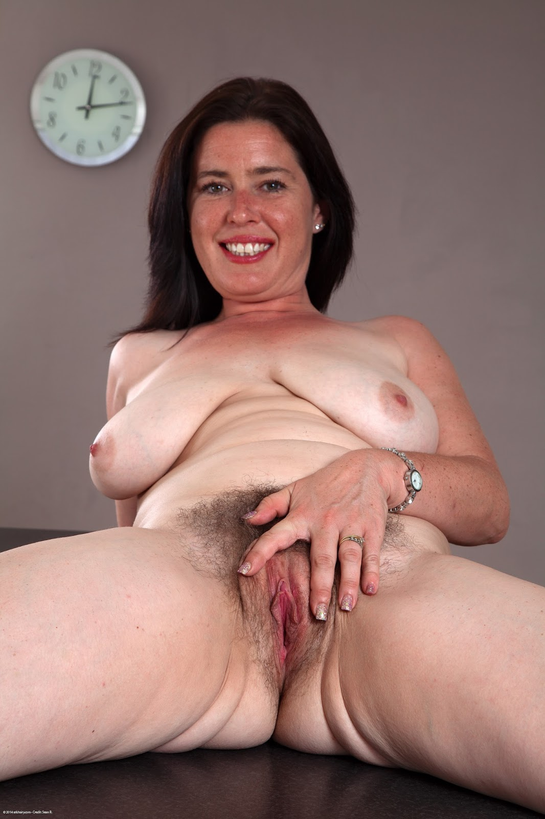 08 vera delight granny likes it rough anal - 1 1