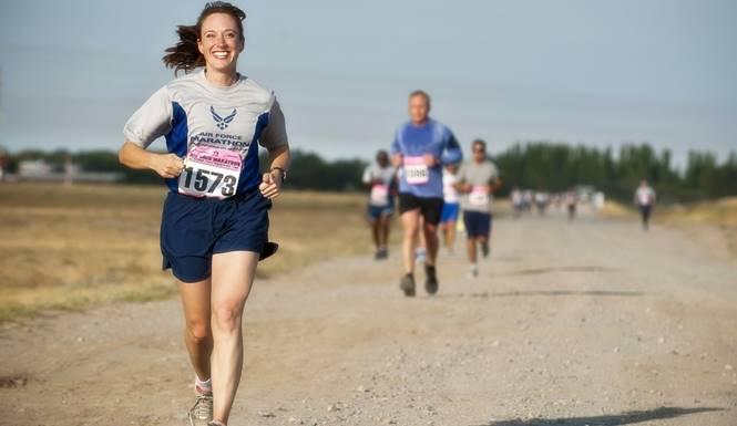 wanita lari