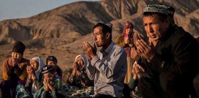 Biarkan Muslim Uighur Dibantai, Bukti Presiden Jokowi Takut Dengan China