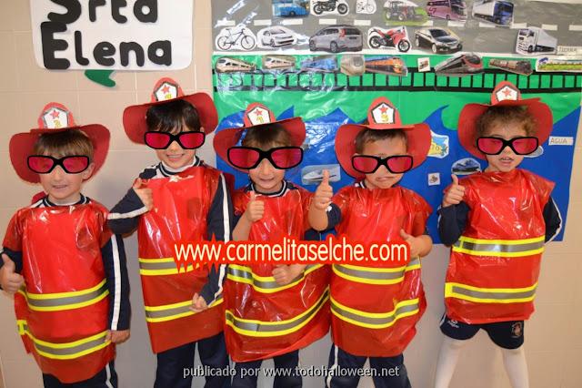 Disfraz de bombero para escolares hecho con bolsa de basura