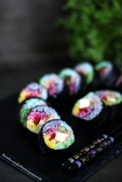 sushi, rainbow, rainbow sushi, teczowe sushi, bernika, kulinarny pamietnik