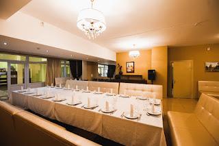 Сервировка в ресторане Седата Игдеджи