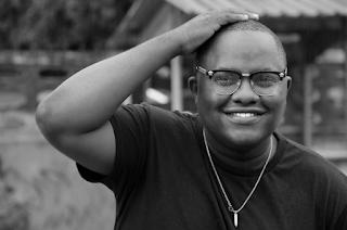 Peter Msechu - Unaniumiza Roho