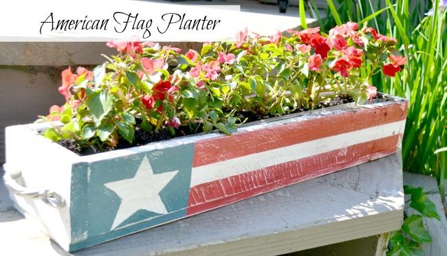 American Flag Pallet Planter www.homeroad.net