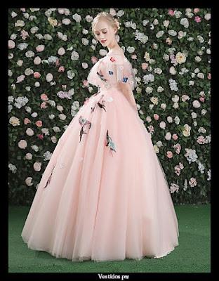 vestidos de 15 que usaron famosas