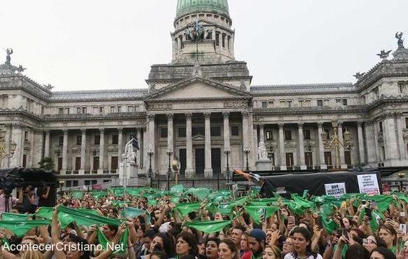 Cámara de Diputados de Argentina aprueba aborto