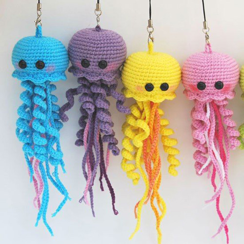 Happy Jellyfish Amigurumi - Free Pattern