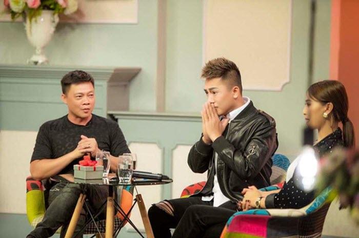 Ca sỹ Châu Khải Phong trong chương trình truyền hình thực tế