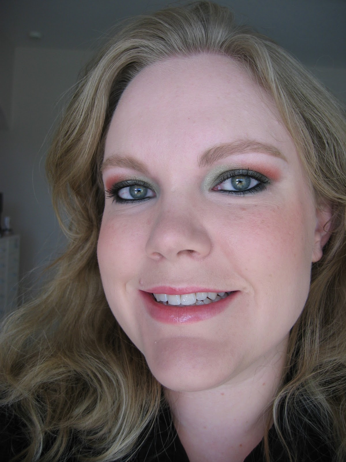 Pretty In Pink 10 Pink Makeup Looks With Voluminous Curly: DizzyMakeup: Ugly-Pretty