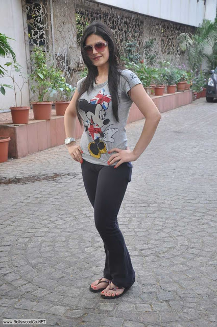 Bollywood Hot Actress In Bikini Bollywood Actress in Bikini Pics 74