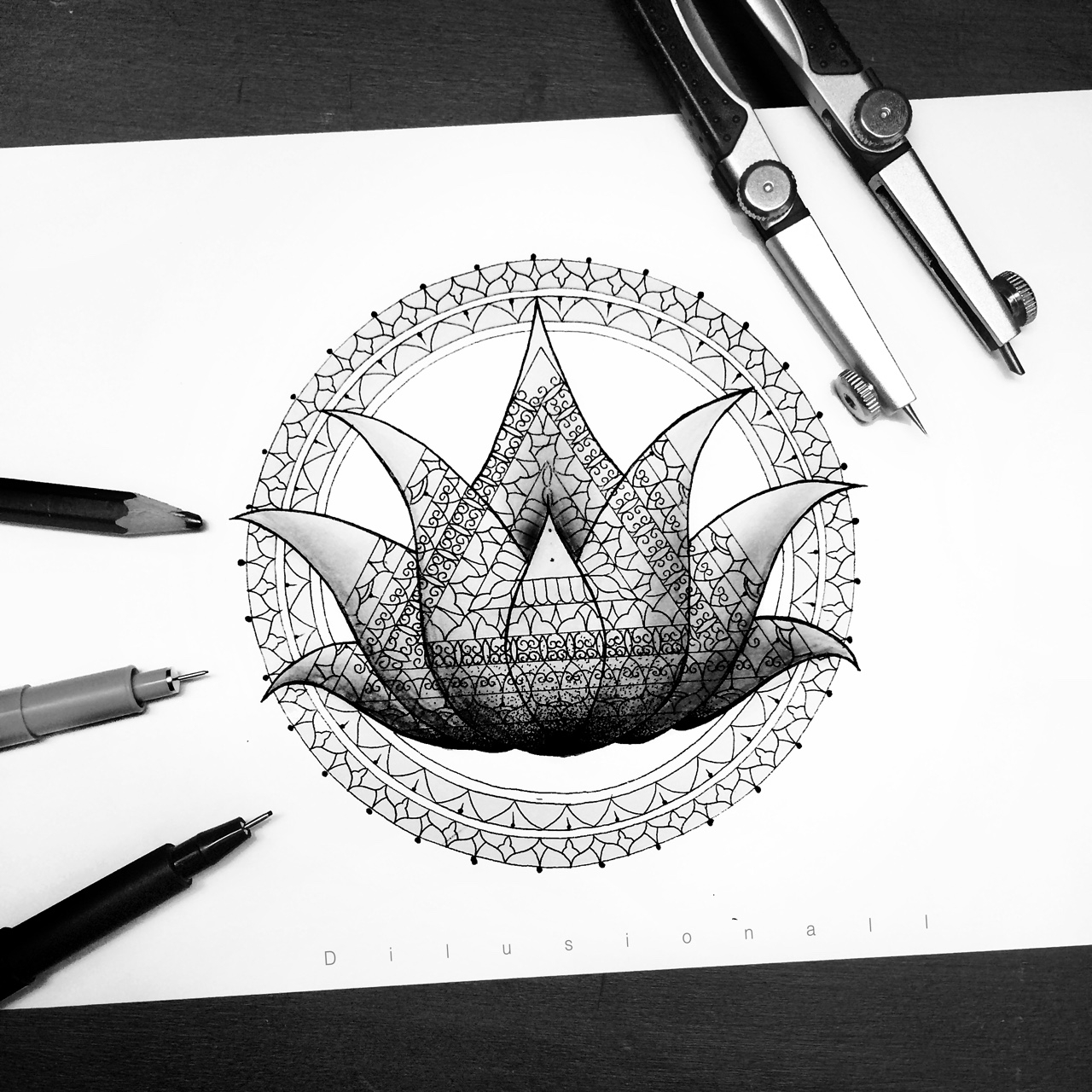 02-Blossom-Dilrani-Kauris-Symmetry-and-Style-in-Mandala-and-Mehndi-Drawings-www-designstack-co