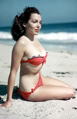 http://odk-2.tumblr.com/post/118426518915/color-slides-swimsuit-pin-ups-c1950s-last