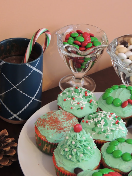 Cupcake Party + Hot Chocolate Recipe {GIVEAWAY}