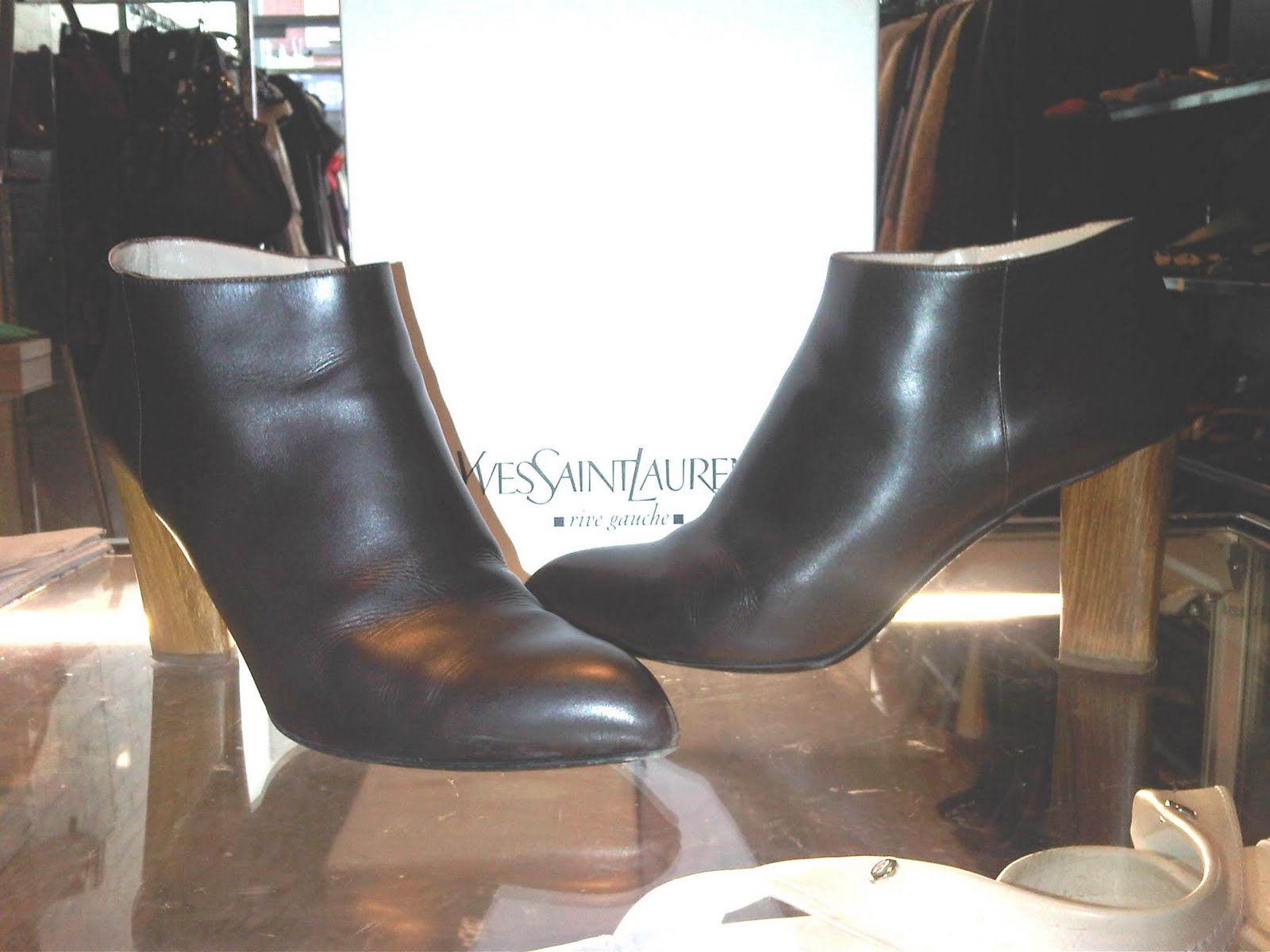 c0322994eb7 Item of the day <3 Yves Saint Laurent <3 Brown Leather