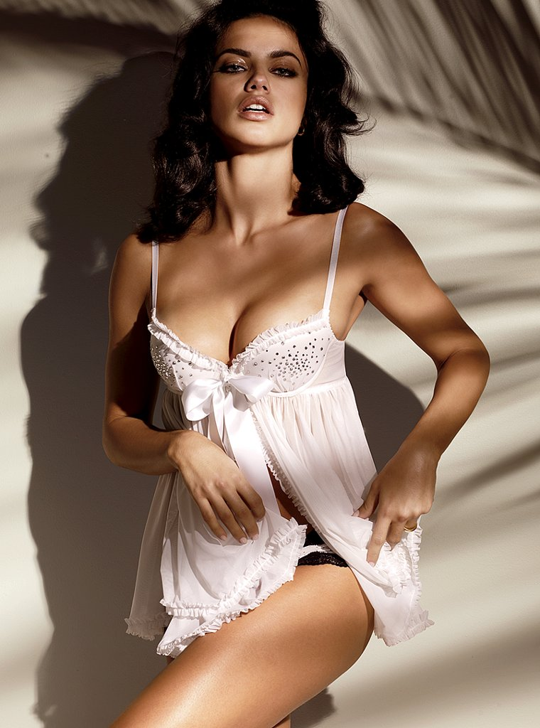 Adriana Lima Wallpapers And Pictures