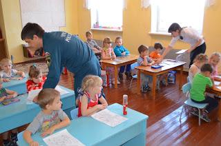 сотрудники МЧС 117 ПЧ 10 ноября посетили вместе с работниками ВДПО структурное подразделение детский сад «Золотой ключик».