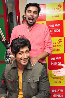 Vidyut Jamwal Adah Sharma Commando 2 Movie Team at Radio Mirchi 95  0009.jpg