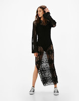 https://www.bershka.com/be/nl/dames/kleding/jurken/lange-crochet-jurk-c1010193213p100995535.html?colorId=800