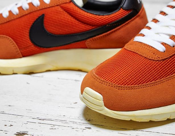 launch Nike Daybreak Tuscan Rust
