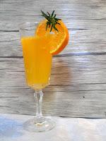 Cóctel de cava y mandarina